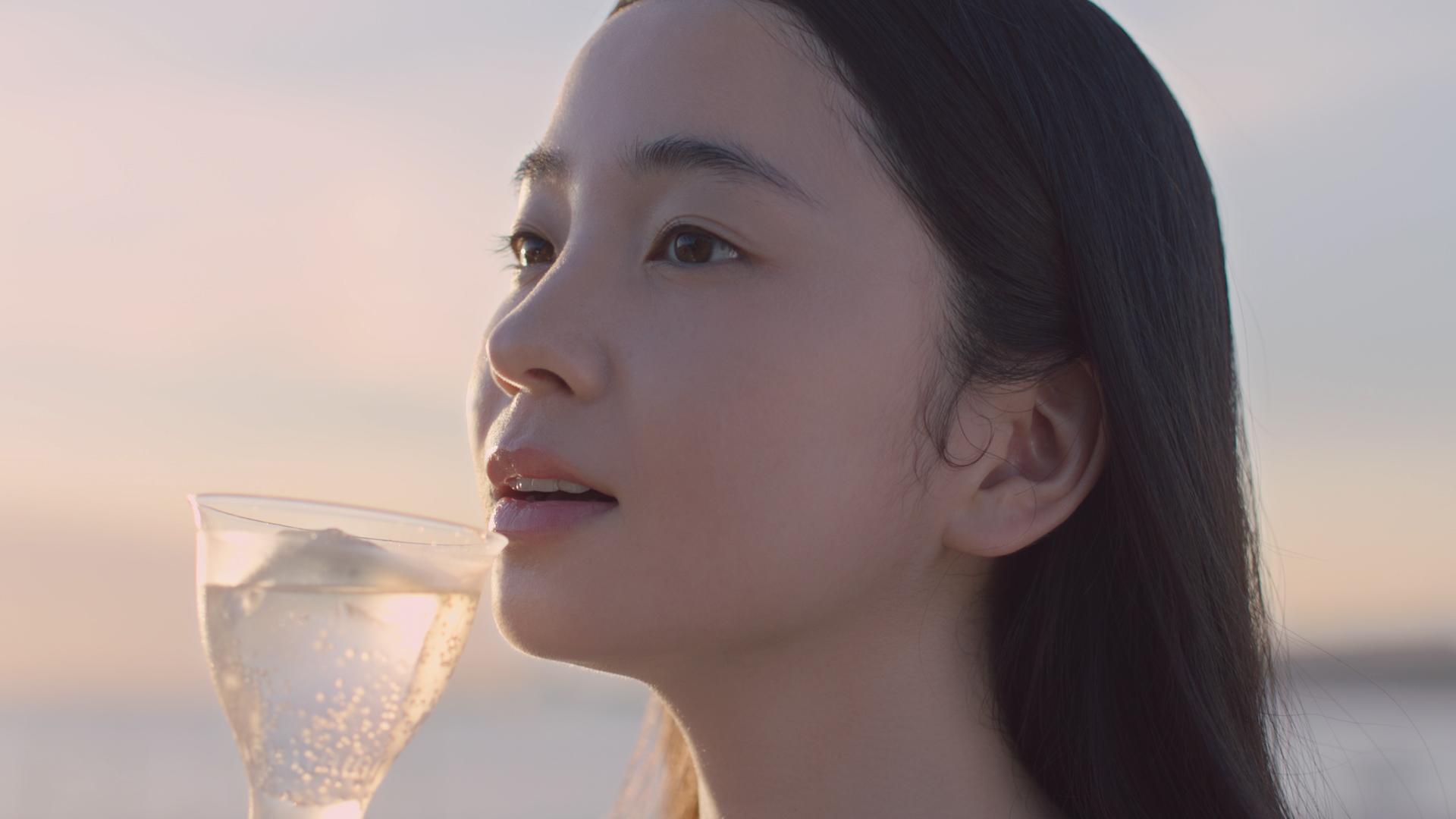 チョーヤ梅酒   酔わないウメッシュTVCM 「梅酒より好き」篇